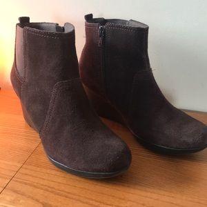 Clark's Suede Boots 6.5